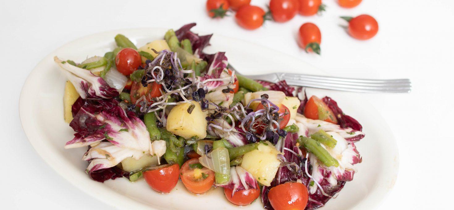Salata s mahunama i krumpirima s balsamico ljubičastim lukom