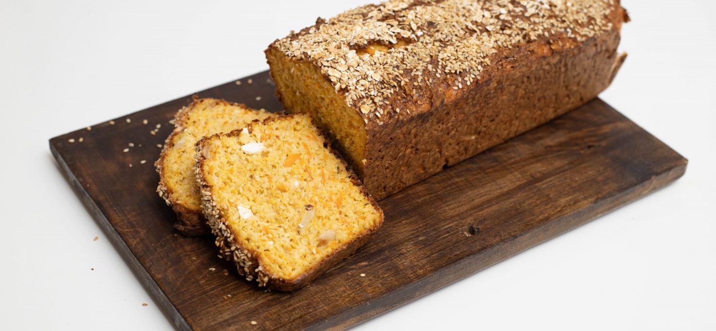 Kruh s mrkvom i sjemenkama (bez brašna)
